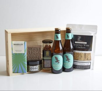 Lefthanders Beach Gift Box - Boxed Indulgence