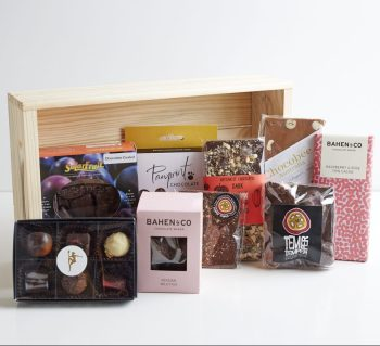 Castle Rock Chocoholic Hamper Gift Box - Boxed Indulgence